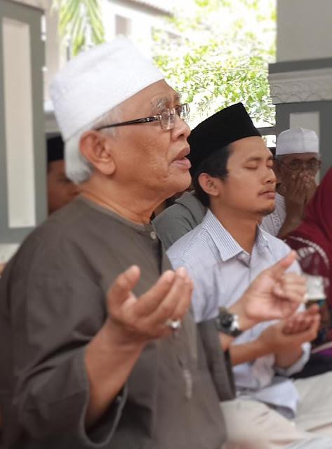 Kisah Gus Mus Ngaji Al-Fatihah Selama Tiga Bulan kepada Kiai Abdul Qodir Munawwir