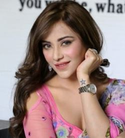 Angela Krislinzki Family Husband Parents children's Marriage Photos