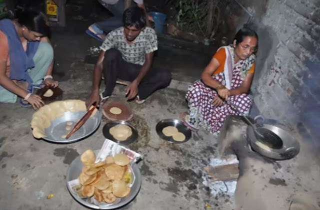 anand kumar mother cook food