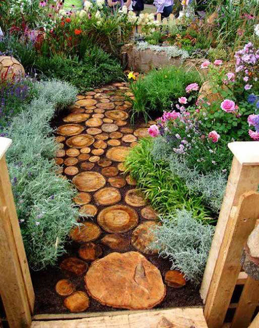 Decorated patio ideas, small patio decorating ideas on a budget, how to decorate your patio, decorating a patio decorating yard ideas, front yard ideas, backyard ideas for small yards, outdoor yard decor ideas