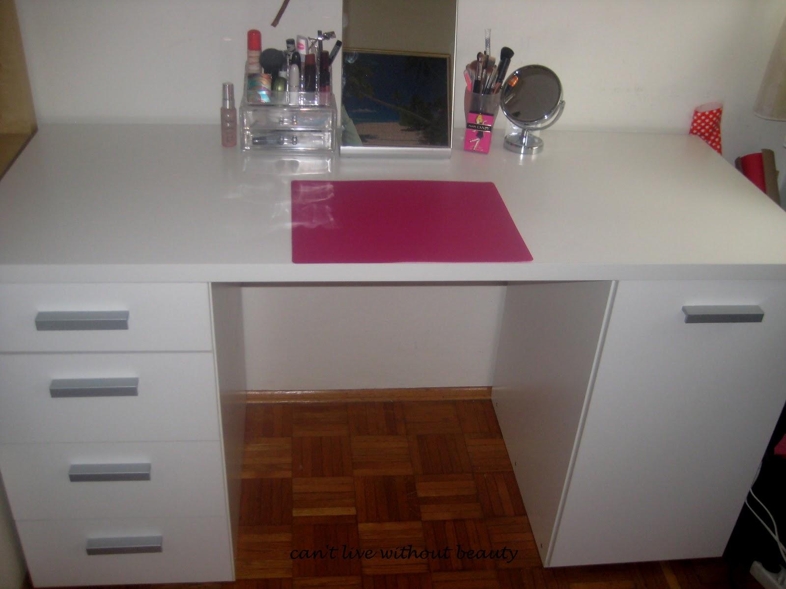 can 39 t live without beauty mein neues beautywonderland schminktisch. Black Bedroom Furniture Sets. Home Design Ideas