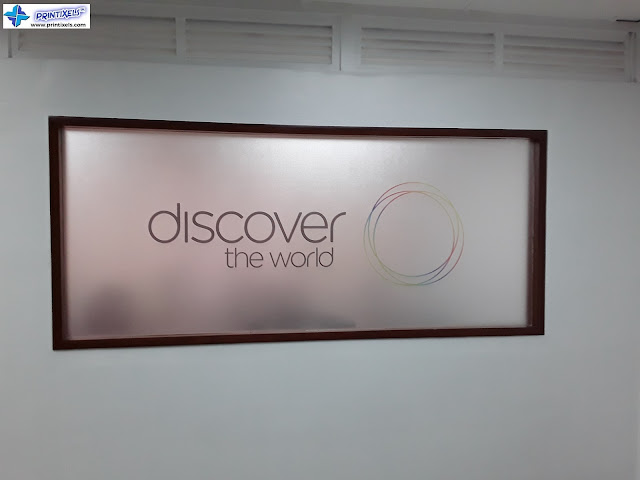 Frosted Glass Sticker - Discover The World