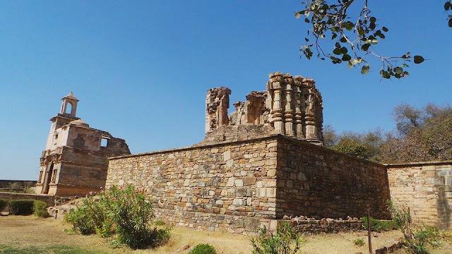 Chittorgarh Fort – A Bygone Sensation of Rajasthan, chittorgarh ruins