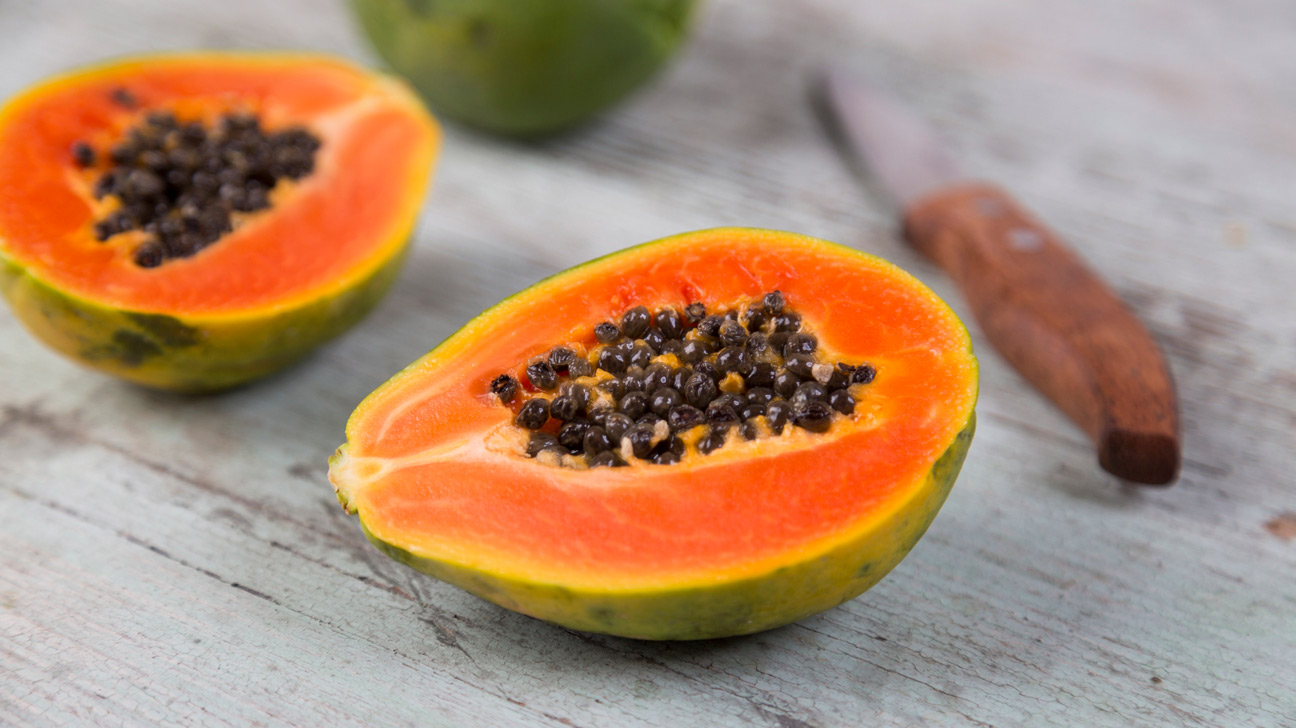 PAPAYA - NUTRITIONAL VALUES AND HEALTH PROPERTIES. The way to EAT PAPAYAS?