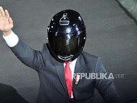 Media Asing Soroti Gaya Jokowi Naik Sepeda Motor, Ternyata Hanya Pencitraan