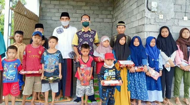 Pandemi Covid-19, Pemban Gumpala Santuni Anak Yatim Piatu