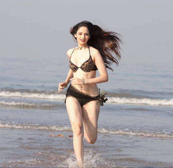 Kiara Advani Bollywood Actress Biography, Hot And Sexy HD Photos