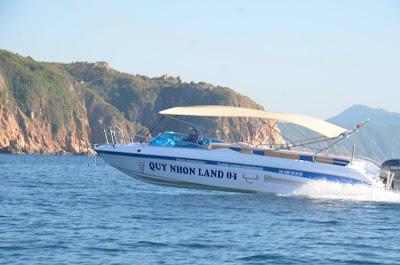 Tàu du lịch Quy Nhơn