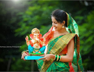 Osm Pose With Bappa