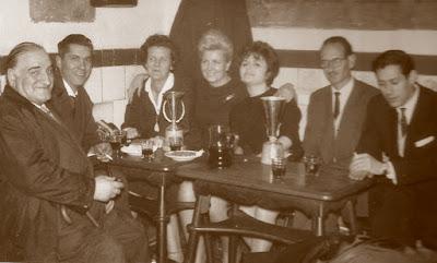 VIII Campeonato femenino de España 1964, reunión en el bar