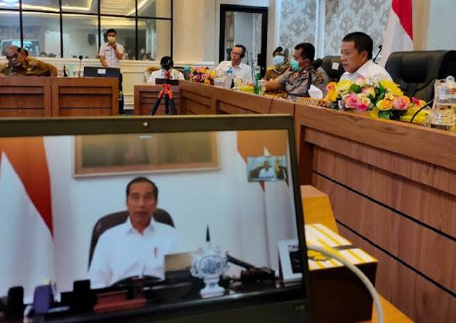Wibawa Jokowi Runtuh Dikangkangi Kepala Daerah yang Lebih Peduli Rakyatnya