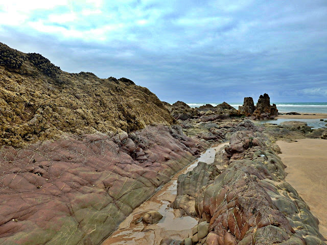 Attractive rocks at Northcott Mouth, Cornwall