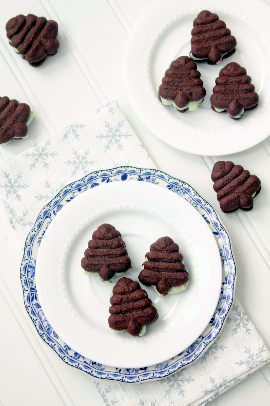 Cherry Tea Cakes: Christmas Tree Sandwich Cookies