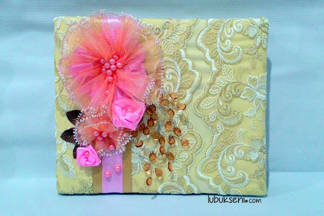 adorable-lace-guestbook