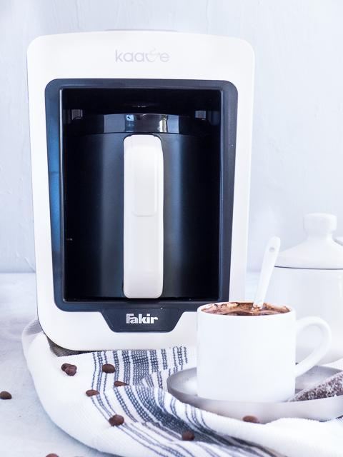 mokka schnell stylisch zu leckerem kaffee genuss enth lt werbung meine kuechenschlacht. Black Bedroom Furniture Sets. Home Design Ideas
