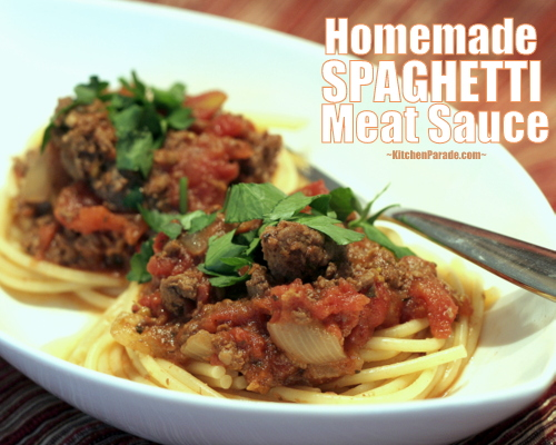 Homemade Spaghetti Meat Sauce for the Slow Cooker, another Quick Supper ♥ KitchenParade.com. Low Fat. Low Carb. High Protein.