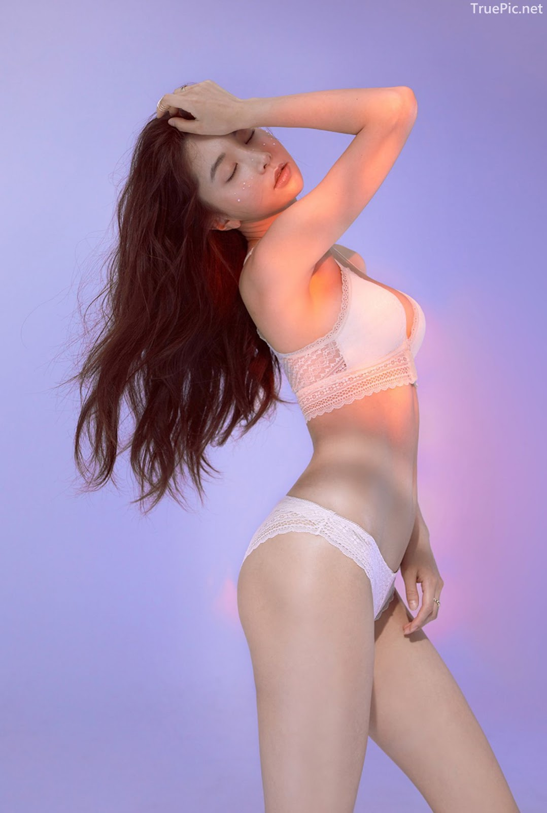 Korean model and fashion - Park Soo Yeon - Beautiful White Bralette Lingerie Set - Picture 1