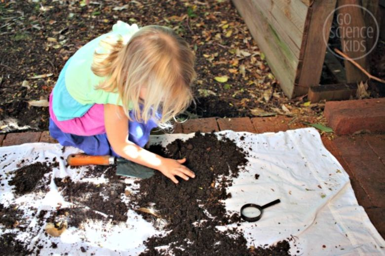outdoor activities for kids - what lives in dirt