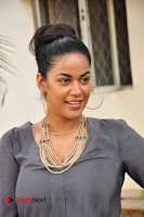 Actress Mumaith Khan Pictures at Thikka First Look Launch  0008.JPG