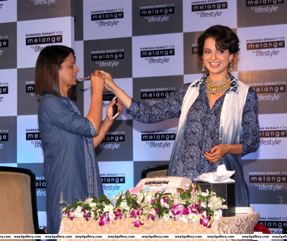 Kangana Ranaut celebrated her birthday with sister Rangoli