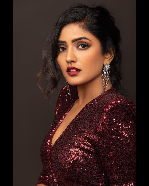 Eesha Rebba Latest Stills in Long Skirt with Jewellery Actress Trend