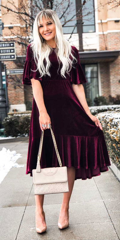 27 Adorable Fall Date Night Outfits Guaranteed to Impress. 27 Stylish Fall Outfits to Wear On Your Next Date, from Casual to Fancy. Fall Fashion via higiggle.com | midi dress | #falloutfits #dateoutfits #datenight #mididress