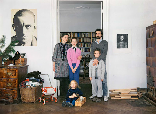 From left to right: Beate (freelancer) with her daughter Henriette, her partner Matthias (freelancer) with his son Gregor, and their daughter Lilly.