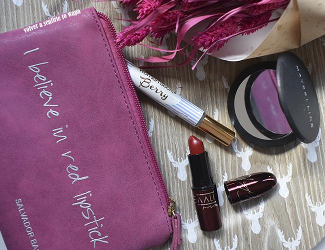 Qué llevo en mi neceser del bolso: cosmética y maquillaje