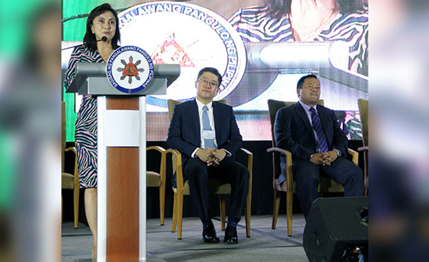 Robredo emphasizes impending housing crisis
