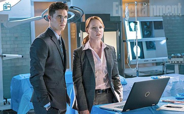 The X-Files - Season 11 - Robbie Amell & Lauren Ambrose Returning