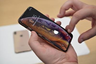 أبل تكشف عن هاتفي آيفون الجديدين XS وXS MAX صور.