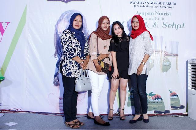 +0856-4020-3369 ; Jasa Photobooth Semarang ~Meet 'n Greet Prilly Latuconsina~