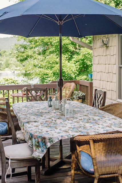 hosting an outdoor wine tasting
