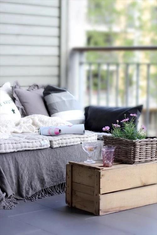 Desain sofa unik dari kayu peti kemas