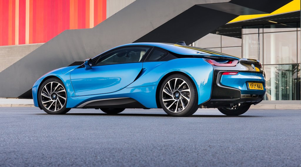 Bmw I8 Electric Blue Wallpaper 1024x567