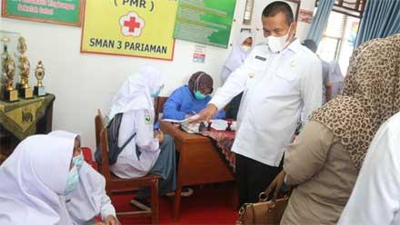 Wako Bersama Ketua DPRD Tinjau Vaksinasi Pelajar di SMAN 3 Pariaman
