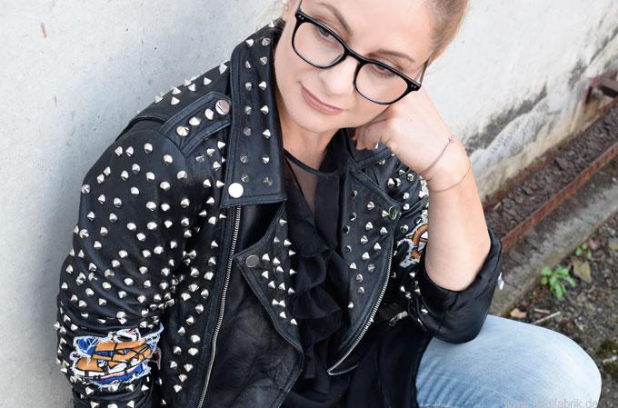 Rockiger Look für Frauen über 40, Outfit Inspo für Frauen