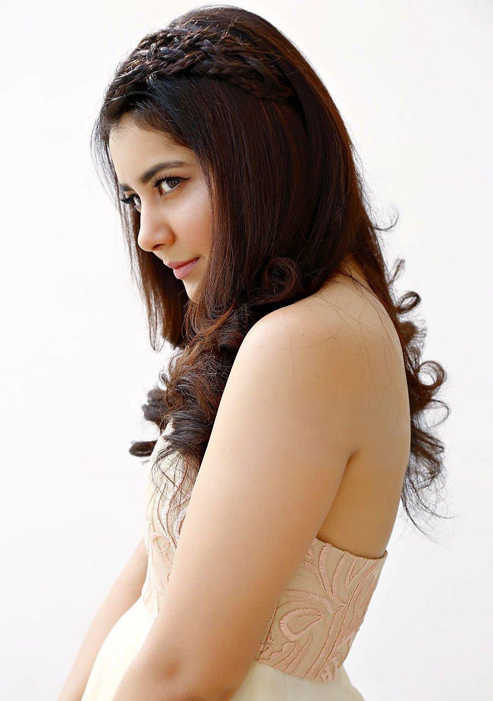 Rashi Khanna Long Hair Style Closeup Face Stills