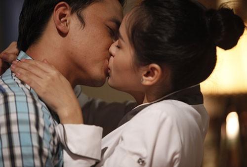 Tôi đã dạy chàng cách hôn như thế này