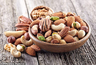 Eating 60g of walnuts, almonds and hazelnuts each day boosts the libido of men and gives them better orgasms,