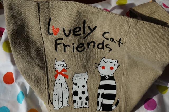 Pojemna torba na co dzień z kotkami w roli głównej od Banggood