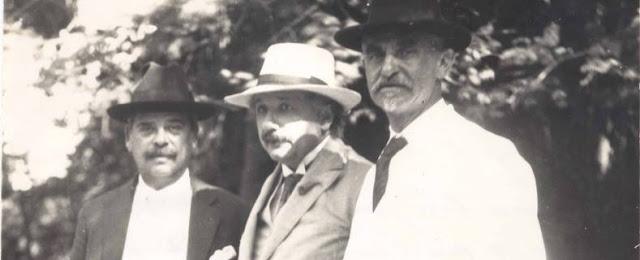 Albert Einstein visita o Jardim Botânico do Rio de Janeiro -1925