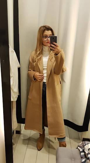 Jakie płaszcze będą modna jesienią 2020 , jaki plaszcz kupić na jesień
