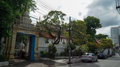Loi Kroh road during daytime