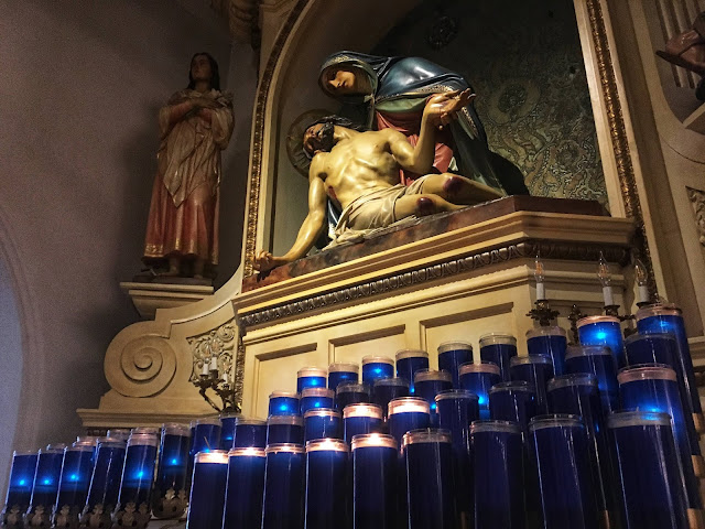 votive candles in Saint Patrick Cathedral