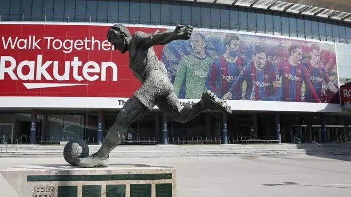 Barcelona hunt 180m euros in sponsorship money