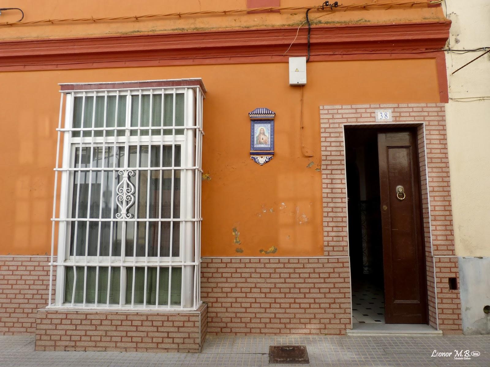 San fernando ayer y hoy y otras historias calle p rez for Fachadas con azulejo