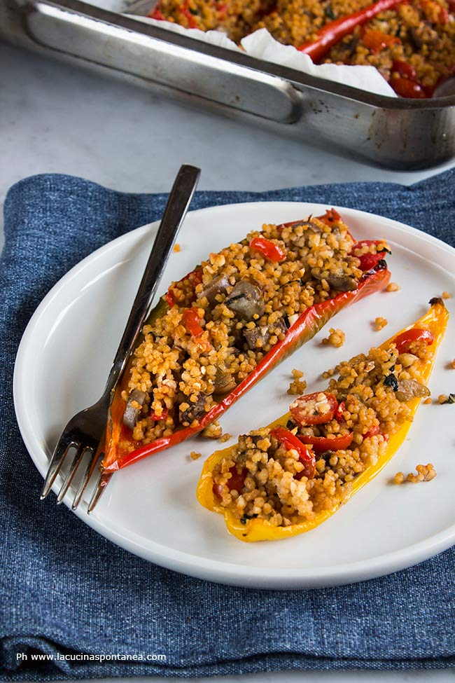 immagine contenente peperoni, peperoni ripieni di cous cous