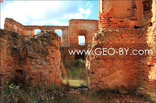 Руины дворца Зелев