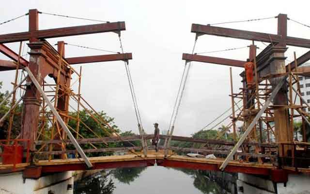 Jembatan kota intan direnovasi